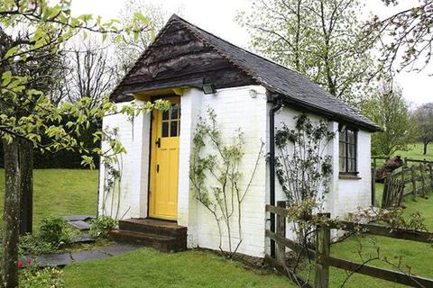 Roald Dahl's writing hut, The Gipsy House