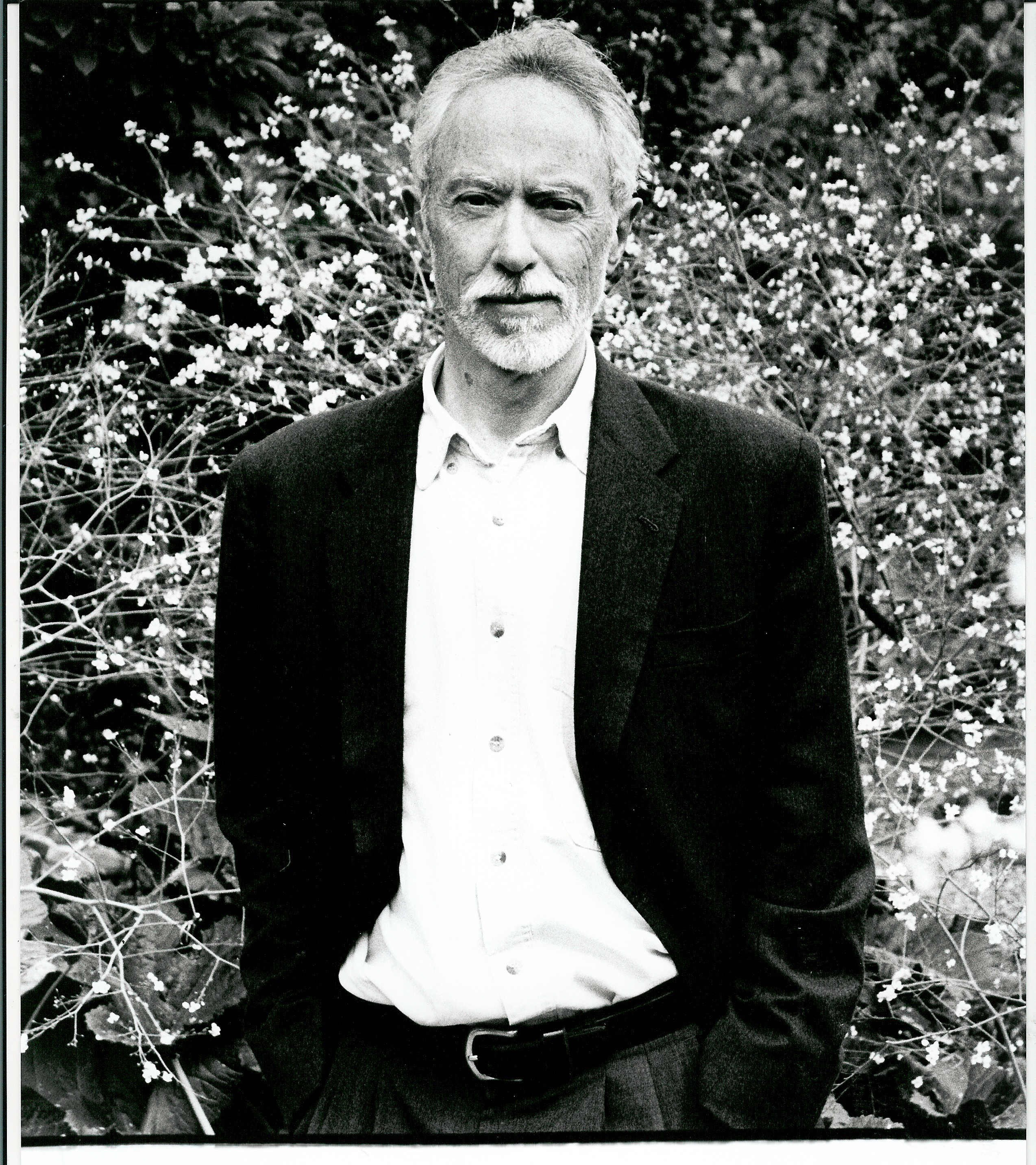 waiting for the barbarians by j m coetzee essay Waiting for the barbarians by jm coetzee essay 1363 words | 6 pages in jm coetzee's novel waiting for the barbarians, the magistrate comes to discover the humanity of the barbarian through his interactions with the blind girl, which eventually leads him to learn about the nature of his own humanity.